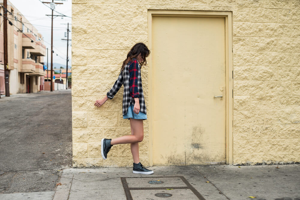 FA16_Classics_Sk8-Hi_EmbossedStingray_Playing_With_Wall