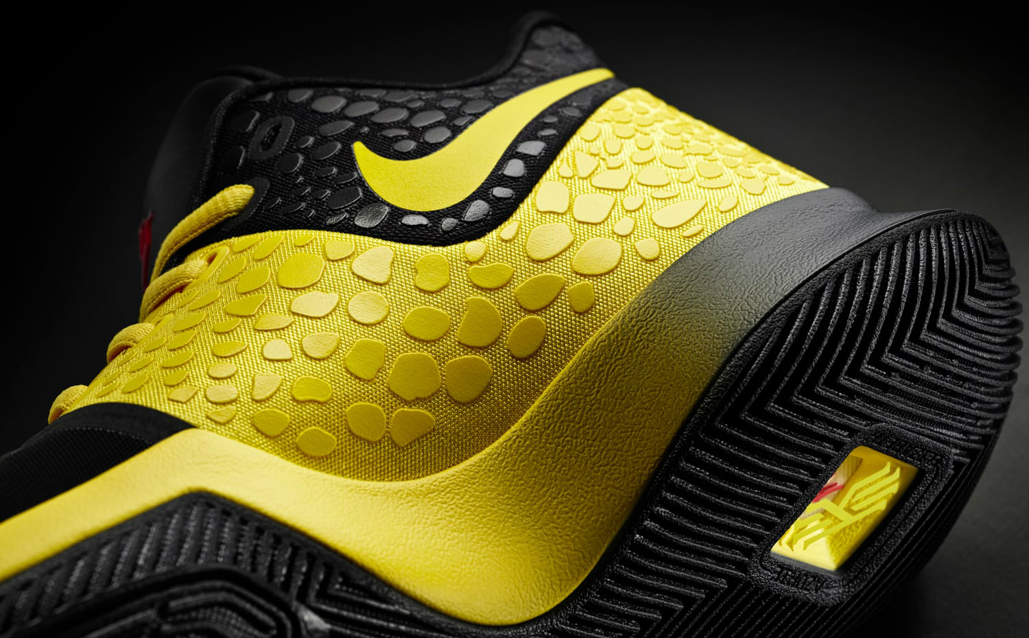nike-kyrie-3-mamba-mentality-bruce-lee-medial