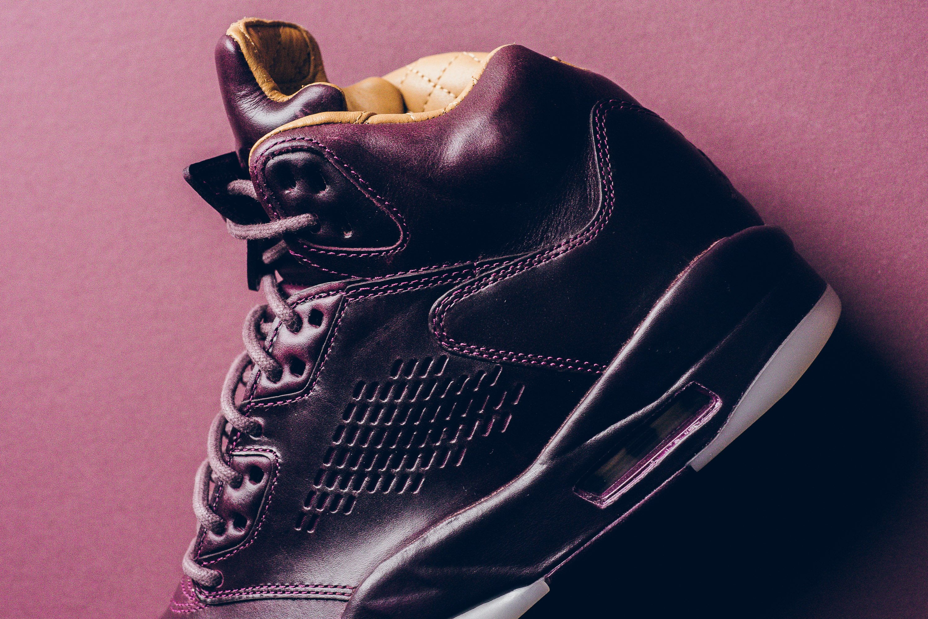 Air_JOrdan_5_retro_Premium_bordeaux_881432_612_sneaker_politics_7