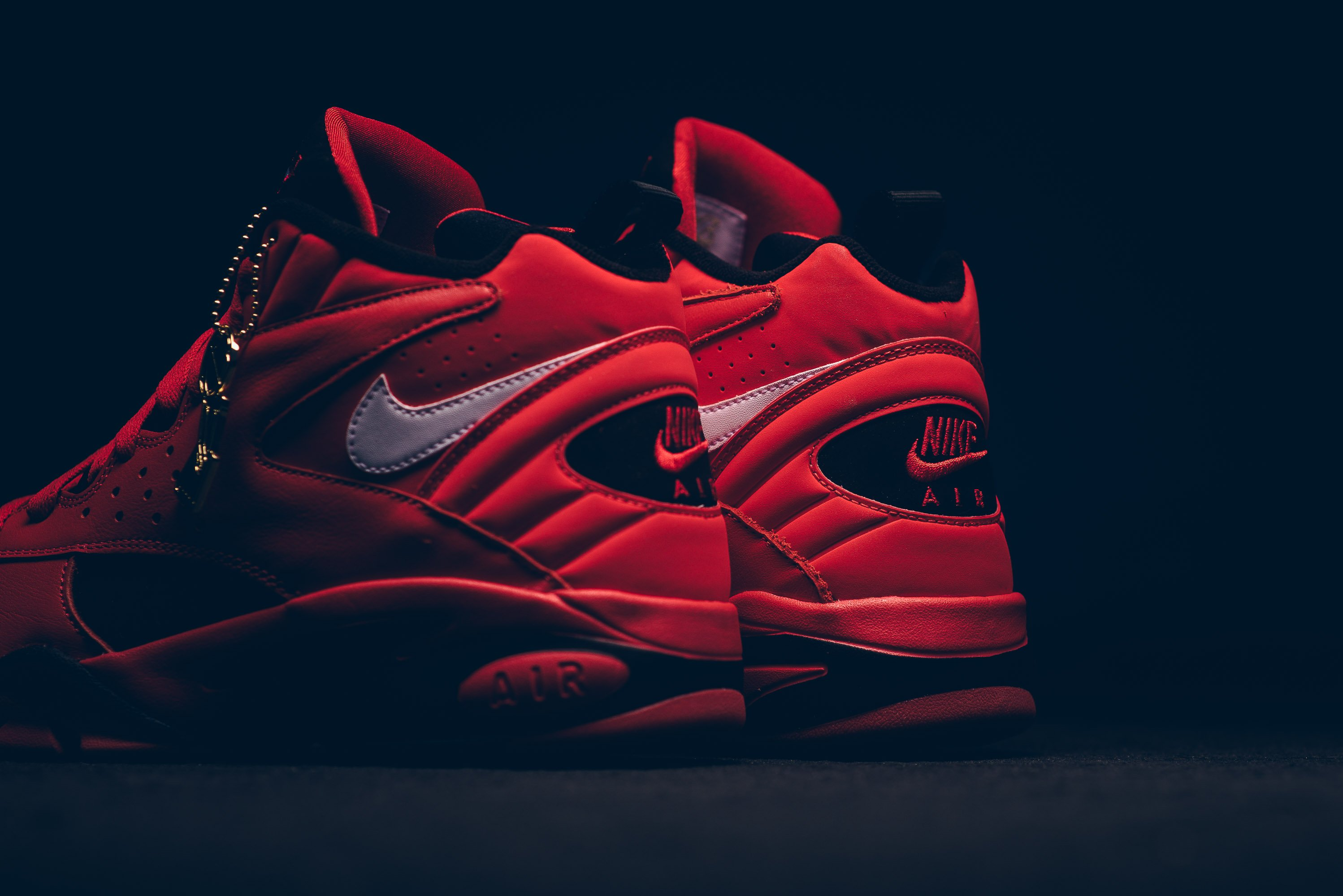 nike_air_maestro_ii_qs_university_red-white-black_aj9281-600_sneaker_politics_3