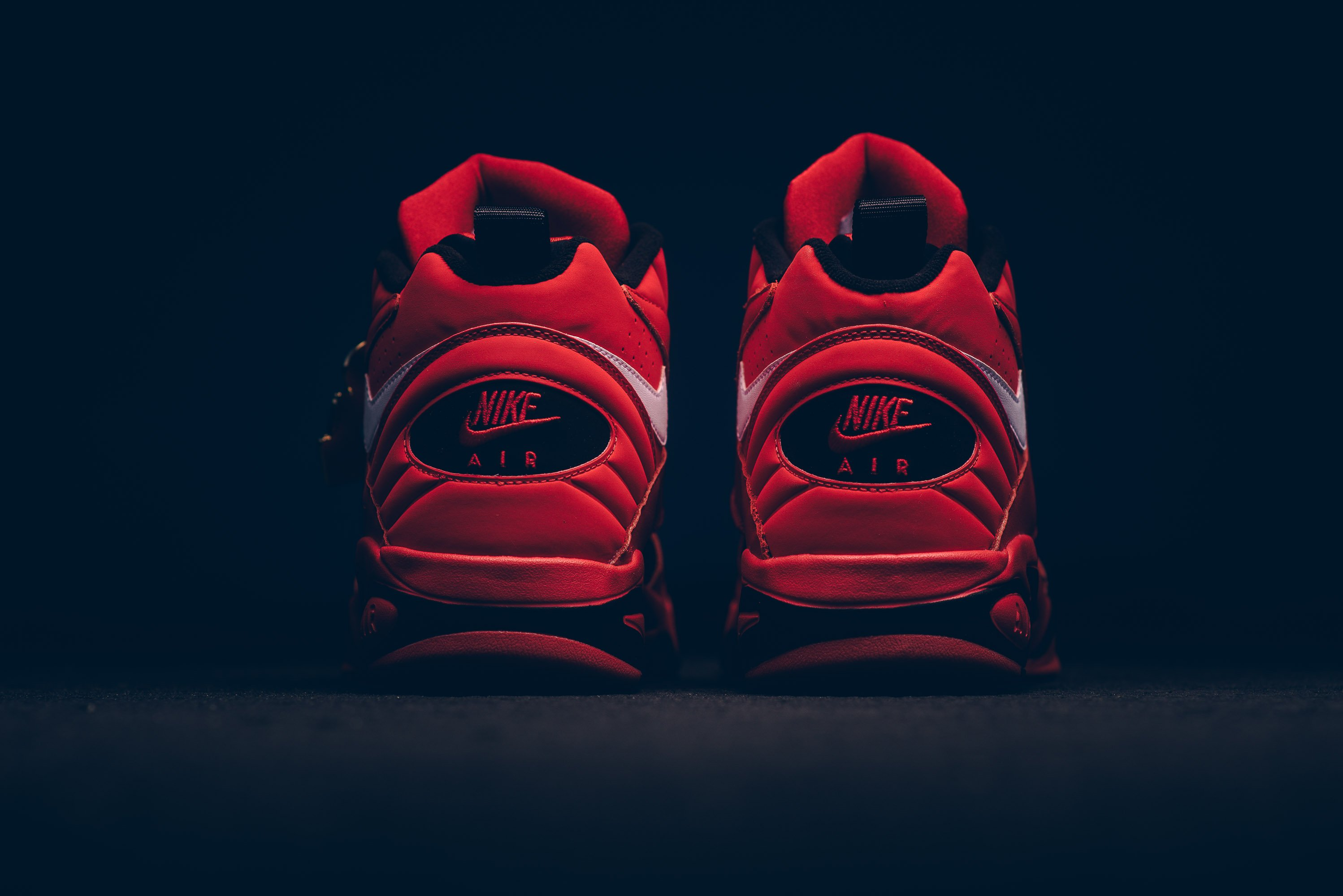 nike_air_maestro_ii_qs_university_red-white-black_aj9281-600_sneaker_politics_6
